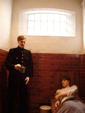 Photo:Policeman and prisoner in one of the museum's Edwardian police cells