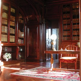 Photo:The 1840s library, which is panelled with African mahogany